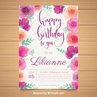 Cartão de aniversário com flores em estilo aquarela