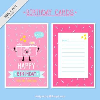 Cartão de aniversário engraçado com uma mão câmara fotográfica desenhada