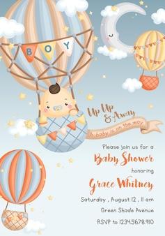 Cartão de bebê menino com balão de ar