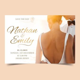 Cartão de casamento com foto da noiva e do noivo