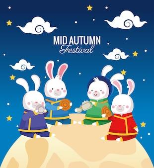Cartão de celebração do meio do outono com coelhos em cena de lua cheia