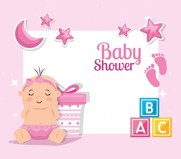 Cartão de chuveiro de bebê com bebê menina e decoração
