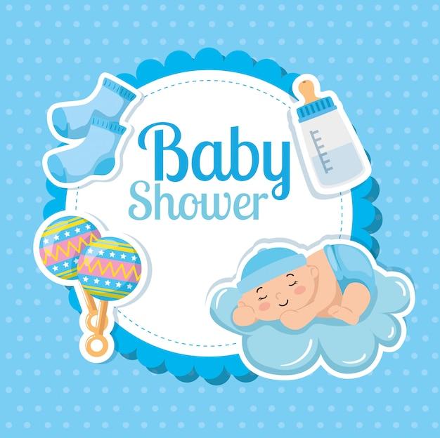 Cartão de chuveiro de bebê com menino bonitinho e decoração
