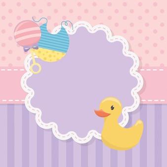Cartão de chuveiro de bebê com pato de borracha e acessórios