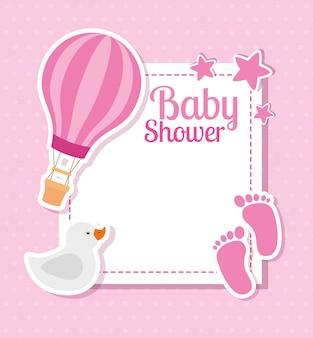 Cartão de chuveiro de bebê com pegadas e decoração