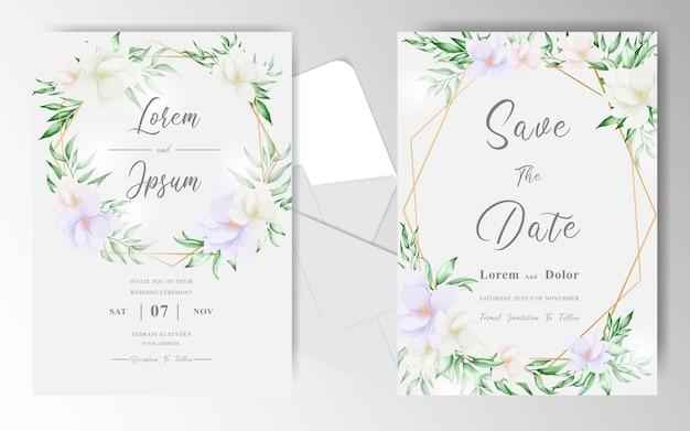 Cartão de convite de casamento com arranjo de formas florais e geométricas
