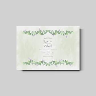 Cartão de convite de casamento com elegantes flores e folhas