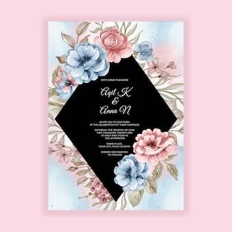 Cartão de convite de casamento com flores rosa azul