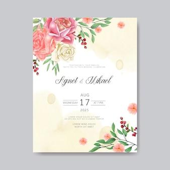 Cartão de convite de casamento com modelos de flor romântica