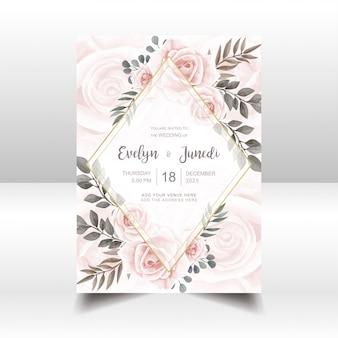 Cartão de convite de casamento elegante com aquarela floral e moldura dourada