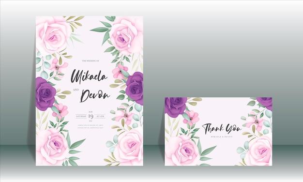 Cartão de convite de casamento elegante com belas decorações florais