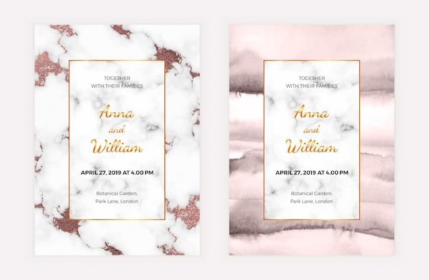 Cartão de convite de casamento em mármore com folha de ouro rosa e textura aquarela.