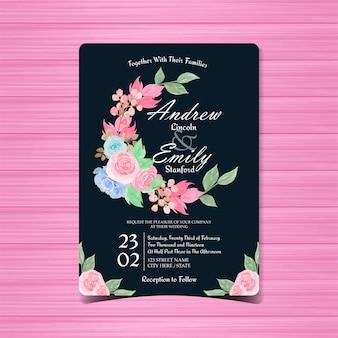 Cartão de convite de casamento floral com rosas azuis e rosa