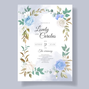 Cartão de convite de casamento lindo floral e folhas