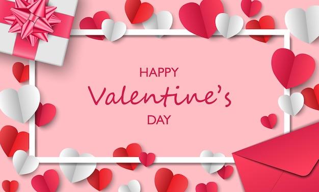Cartão de dia dos namorados, caixa de presente, envelope e corações de papel