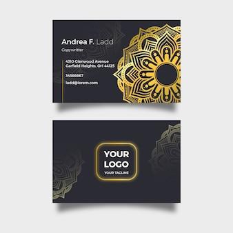 Cartão de empresa elegante com mandala dourada