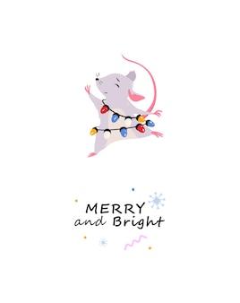 Cartão de feliz natal com rato dançante personagem de rato com luzes de natal de férias