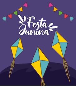 Cartão de festa junina com pipas voando e guirlandas penduradas