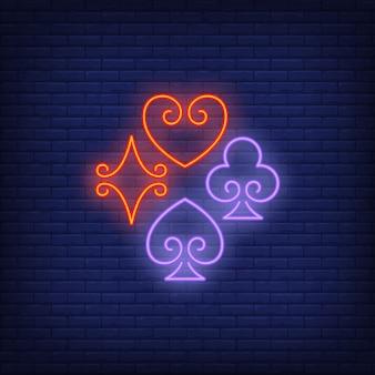 Cartão de jogo fica bem sinal de néon