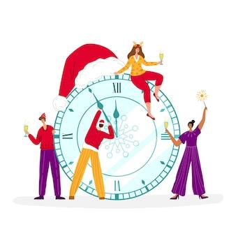 Cartão de natal - homens e mulheres em miniatura celebram a meia-noite de ano novo com taças de champanhe, relógio grande com chapéu de papai noel e personagens de pessoas - composição para cartão ou pôster