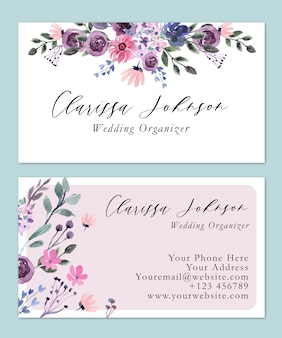 Cartão de nome floral rosa suave e simples em aquarela