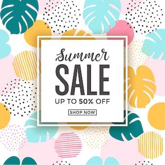 Cartão de venda de verão com desenhos de folha tropical com temas de verão bonito