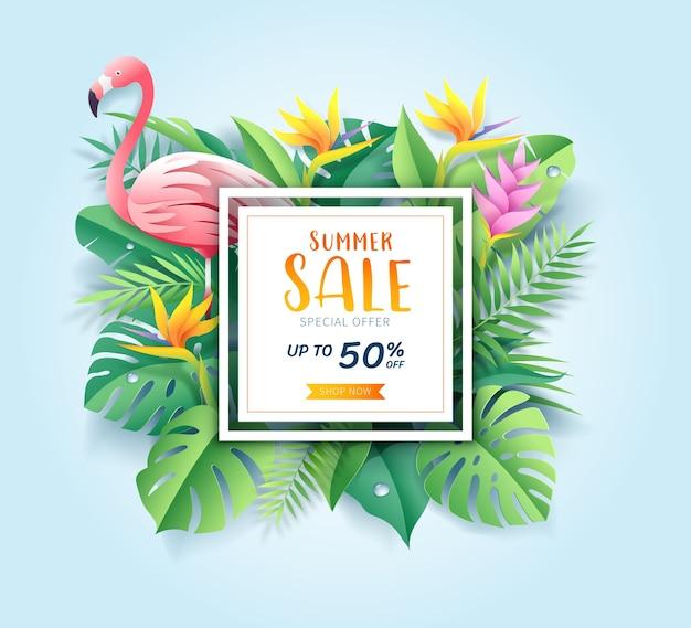 Cartão de venda de verão com flamingo rosa em fundo de corte de papel de folha tropical