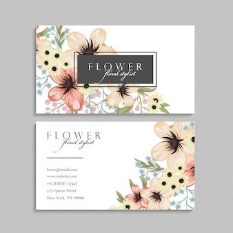 Cartão de visita com flores amarelas. modelo
