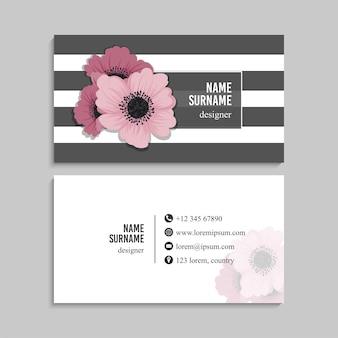 Cartão de visita com flores em tons pastel