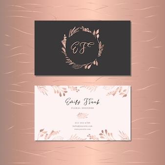 Cartão de visita com folhas de desenho de mão de ouro rosa