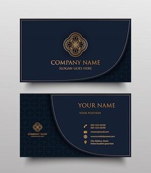 Cartão de visita com logotipo floral dourado e lugar para texto