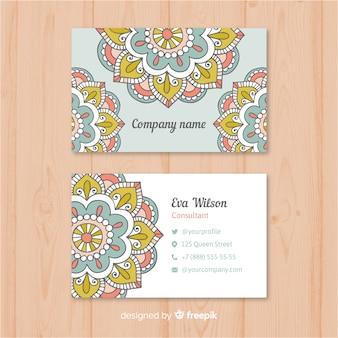 Cartão de visita criativo com design de mandala