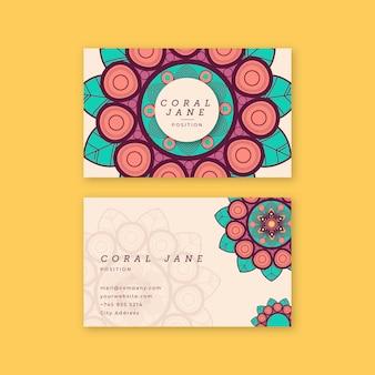 Cartão de visita criativo com mandala colorida