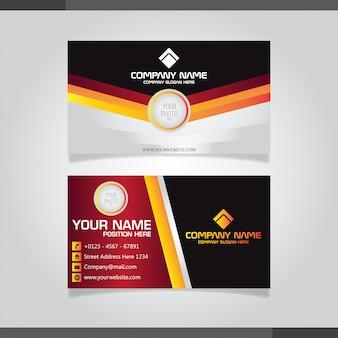 Cartão de visita criativo moderno e cartão de nome cor vermelho, preto e laranja