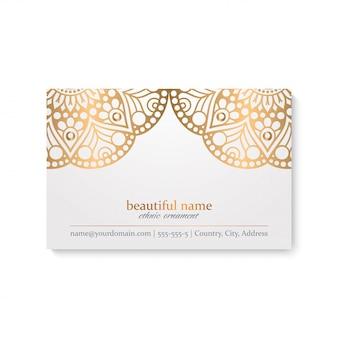 Cartão de visita de mandala dourada ornamental de luxo