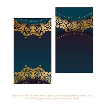 Cartão de visita gradiente azul com ornamentos de ouro vintage para seus contatos.
