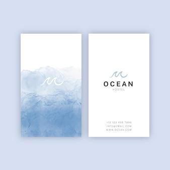 Cartão de visita mergulhado em aquarela