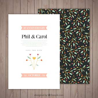 Cartão desenhado mão aniversário floral