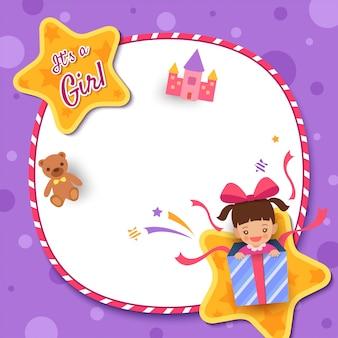 Cartão do chuveiro de bebê com uma menina na caixa de presente decorada com moldura de círculo e estrela no fundo roxo