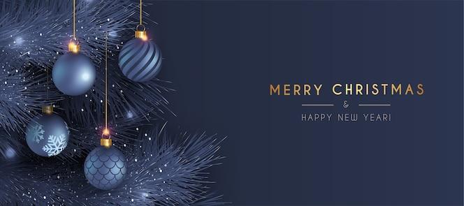 Cartão elegante de feliz natal e ano novo com decoração realista em azul