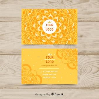 Cartão elegante no estilo da mandala