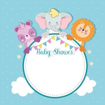 Cartão em branco do chá de bebê com moldura e animais