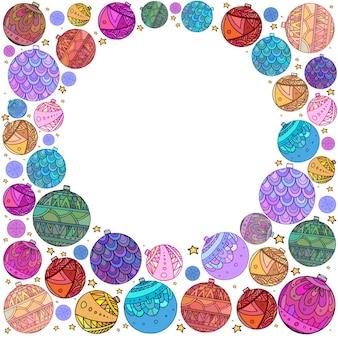 Cartão postal com bolas de natal decoradas com padrão de doodle e lugar para texto