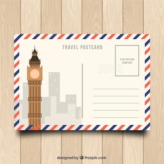 Cartão postal de viagem em design plano
