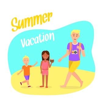 Cartão postal de viagens com letras de férias de verão.