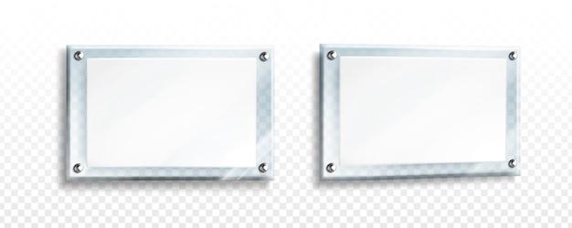 Cartaz branco em moldura de vidro com parafusos de aço