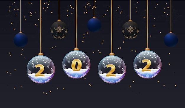 Cartaz de ano novo de 2022 banners de natal com fundo escuro e bolas de vidro com números e neve