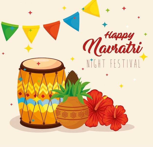 Cartaz de celebração feliz navratri, festival noturno e decoração