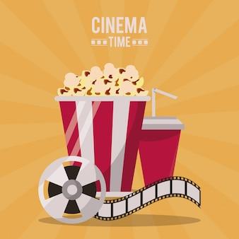 Cartaz de cinema com bebida de pacote de pipoca e bobina de filme