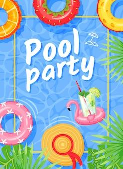 Cartaz de festa na piscina, panfleto de festa de verão com anéis de natação, folhas de palmeira tropical e fundo de água